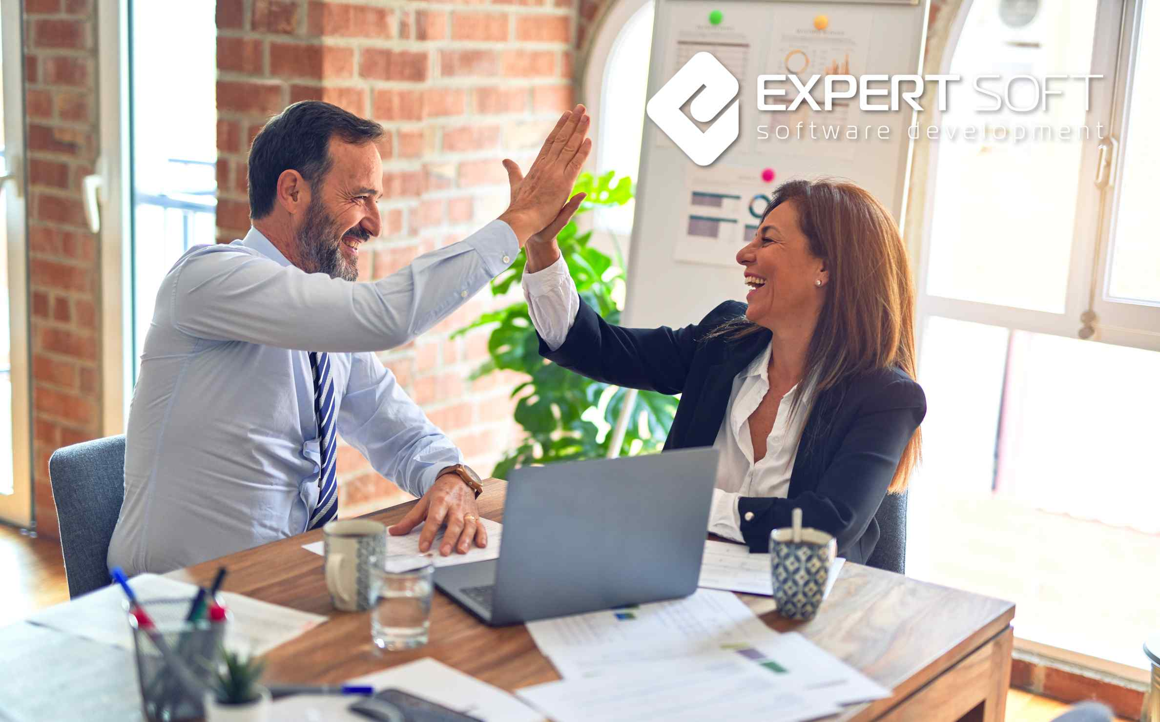 Why can it be beneficial to consider a multi-vendor relationship?