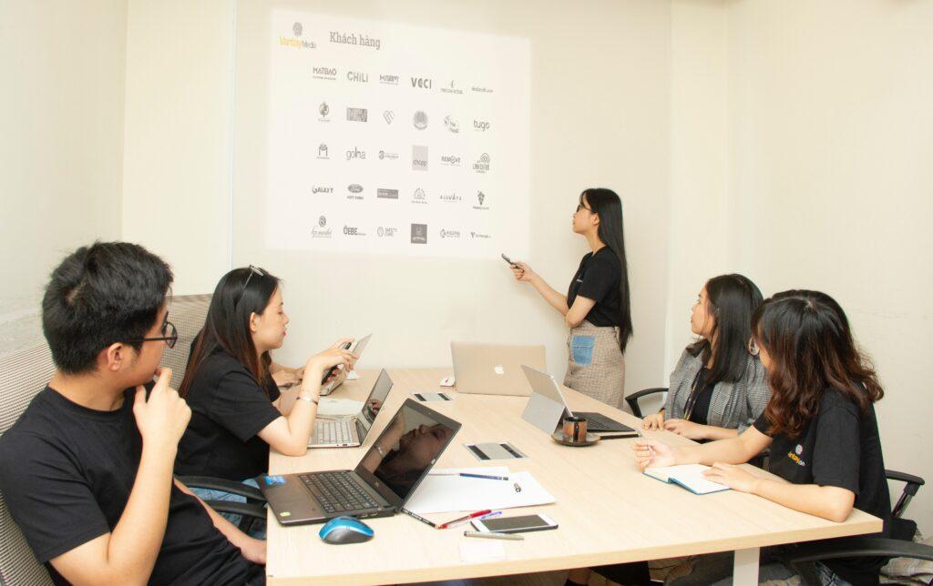 IT staff augmentation - team - discussion